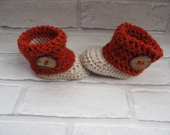crochet baby booties/baby girl booties/baby shower gift/slippers/Ugg boots/baby shoes/handmade booties/photo prop booties/christening shoes.