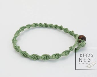 Simple Macrame Twisted Square Knot Bracelet