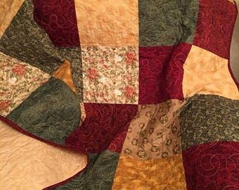 Christmas quilt - red and green quilt - Christmas throw - Christmas blanket