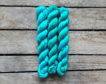 "Handdyed Mini-skein of Sockyarn, ""Sea Foam"" Mini-skein, 75/25 SW Merino/Nylon"