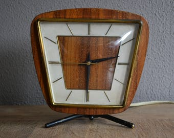 Vintage 1960s mid century electrical clock in good working condition