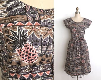 vintage 1950s style dress   50s style Hawaiian novelty print dress