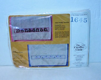 The Creative Circle Embroidery Kit #1645 Teddy Fingertip Towels set of 2 Vintage 1985 sealed