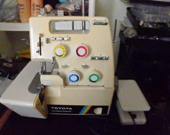 TOYOTA 3 & 4 Thread Overlock Machine Model # 6600 Serger / SEWING MACHINE