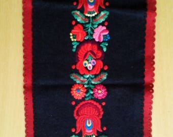 ON SALE 10% OFF Traditional vintage Hungarian hand embroidery matyo felt table runner centerpiece