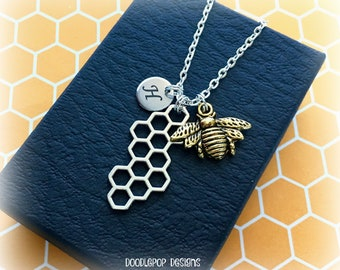 Honey bee necklace - Gold bee jewellery - Personalised Bee and honeycomb necklace - Gift for bee keeper - Bee keeping gift - Bee charm - UK
