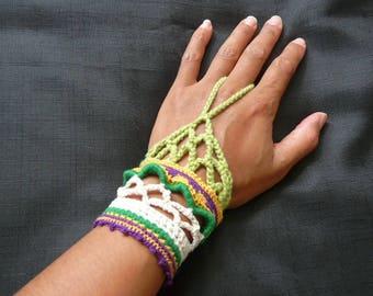 green cotton cuff, gypsy crochet cuff, crochet  bracelet, crochet boho bracelet, bright hippie cuff, birthday gift, green gift for her,