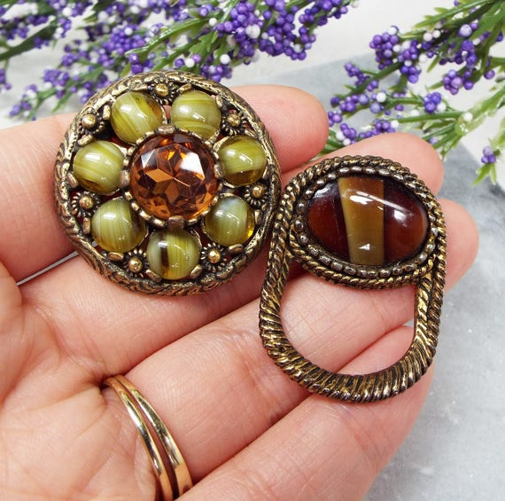 Vintage / Set of 2 Bronze Tone Scottish Celtic Agate Pebble Brooch Pins / Kilt Pins