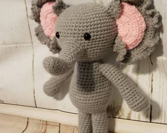 Ruffles the Elephant, crochet pattern