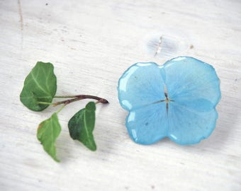 Light Blue brooch -Flower in resin- Real Hydrangea, pressed flowers, unique resin jewelry - Gift for her