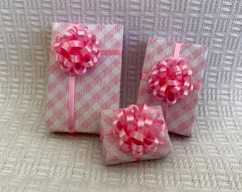 Pink n White Check Gifts