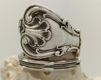 Size 9 Vintage Heart Shaped Sterling  Silver Spoon Ring