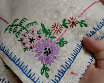 3 hand-embroidered floral napkins