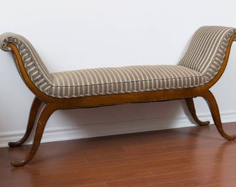 Victorian Chaise Sofa Couch / Striped Monochromatic Baroque Edwardian Lounge Chair
