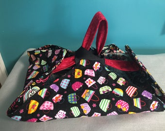 Reversible Insulated Fabric Casserole Carrier Colorful Purses on Black Background/Colorful Swirls