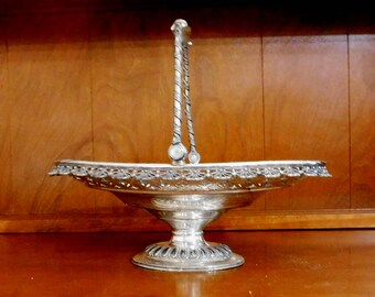 Antique Meriden Britannia Co. Silverplate Bridal Basket, Meriden Silver Plate Footed Bridal Basket, Silver Basket, Wedding Decor