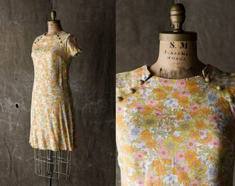 Floral Mod Dress - 60s/70s Sheath Orange/Green/Tan Shift - sz Small/Medium