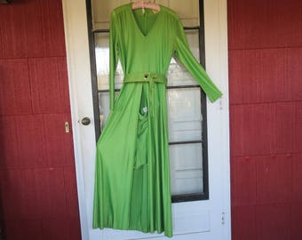 "Vintage 1970's lime green glam rock hot pants dress shorts daisy dukes long sleeves Pants Plus Frank Lee California 35"" bust (102717)"