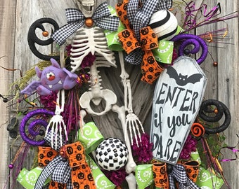 Mr. Bones, Skeleton Wreath, Skeleton Decor, Halloween Wreath, Halloween Decor, Halloween Door Hanging