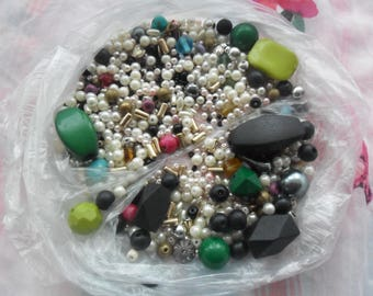 1 bag of beads for crafts making