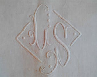 Antique French Linen Sheet. Hand embroidered MOMOGRAM S L. 1880-1900. High quality fine linen sheet.  Wedding sheet. White Linen Bedspread.