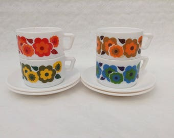 1970s Arcopal set of four caffé latte or soup cups and saucers lotus flower