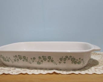 Corning Ware Casserole Dish ~ Calloway Pattern ~ Country Kitchen ~ Vintage Pyrex Casserole Dish ~ White with Green Ivy Leaf Design