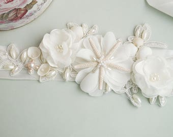 Shell Bridal Sash, Beach Wedding Sash, Bridal Sash, Ivory Belt, Starfish bridal sash, Wedding Dress, Beach Bridal Sash, Seashell sash