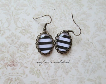 Earrings cabochon earrings black and white stripes