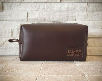 Personalized Groomsmen Gifts Mens Toiletry Bag Personalized Toiletry Bags Dopp Kit Monogrammed Leather bags Mens Gift Father Gift for Men
