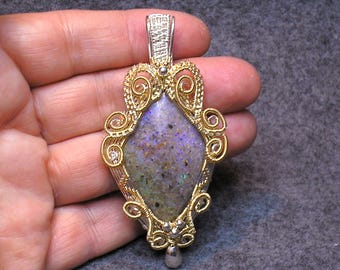 Louisiana Opal (Extremely Rare) Pendant - 43 carats - Extraordinary fire of all colors!!!