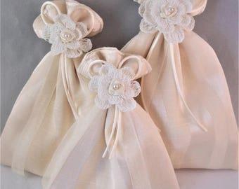 Gift bag, reusable gift bag, fabric gift bag, Embellished Gift Bag, cream gift bag, cream fabric gift bag