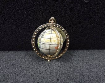 a762 14k Yellow Gold Turning Globe Charm or Pendant (Moveable)