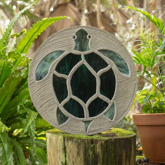 "Sea Turtle Stepping Stone, Large 18"" Diameter Made with Concrete and Stained Glass, Perfect for Your  Patio or Backyard Garden Path #786"