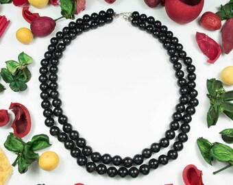 Collana  vintage anni '70 due fili di perle nere in resina