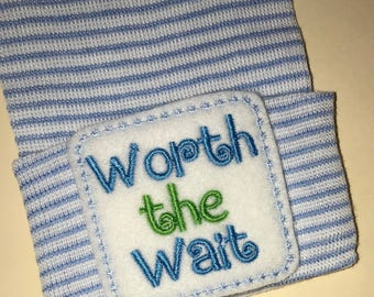 Newborn Hospital Hat. Worth the Wait! Newborn Hospital Beanie.  Baby Newborn Hats.  Newborn Baby Hats.  Newborn Beanies. Cute!!