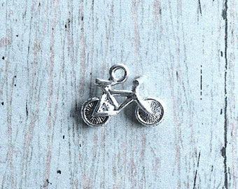 Small Bicycle charm 3D silver plated pewter (1 pc) - silver bike pendant, bike charm, cyclist charm, bicycle pendant, triathlon charm, OO15