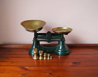 Vintage market scale Librasco with brass pans, kitchen scale, grocery scale.