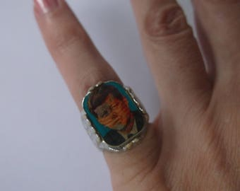 Vintage 1960s John F Kennedy Hologram Ring 35th President Ring, US Flag & JFK Ring