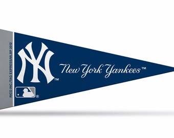 "New York Yankees MLB Mini Pennant, 4"" x 9"""