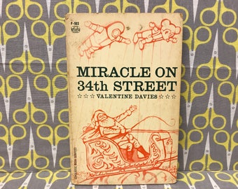 Miracle on 34th Street by Valentine Davies Paperback Book