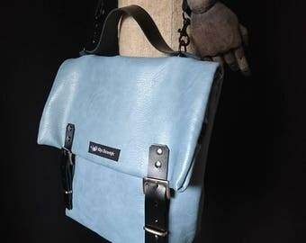 Bag in dusty blue