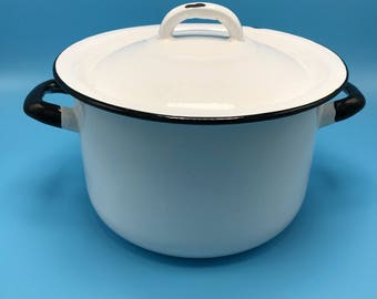 Enamelware stock pot