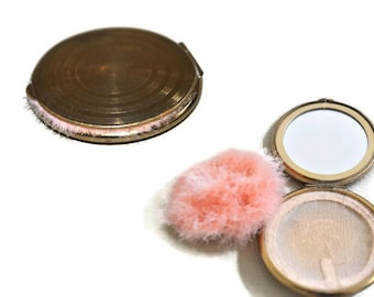 1950's Vintage Metal Compact with Down Puff // Makeup Mirror, Round Vintage Powder Compact with Puff and Mesh Powder Holder