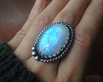 Twilight Moonstone Luna Wolf Statement Ring, size 8 || RARE glow, 925 sterling silver, protection talisman