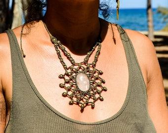 MACRAME Mandala with Quartz, Macrame Necklace, Healing Stones, Bridal Jewelry, Gipsy, Bohemian, Hippie Chic, Healing Crystal, Elegant
