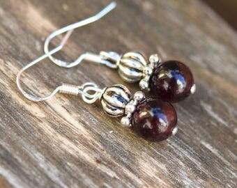 Garnet silver hooks earrings