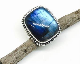 labradorite, moonstone ring set in Sterling silver 925. Size -9. Genuine natural blue labradorite stone.