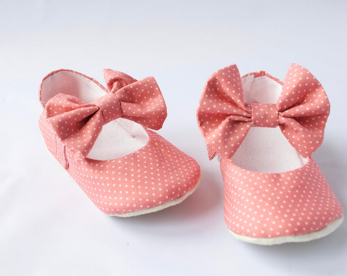 Mary Jane soft sole shoe with bow across strap. pre walkers and toddlers