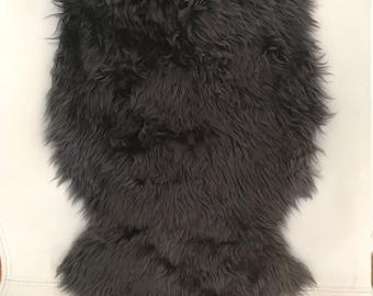 Sheepskin from Patagonia (black)